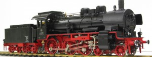 DB Br38 lokomotiv af mærket Aster, en 2 cylindret maskine med Walshart styring overheder og type B flammerørskedel.